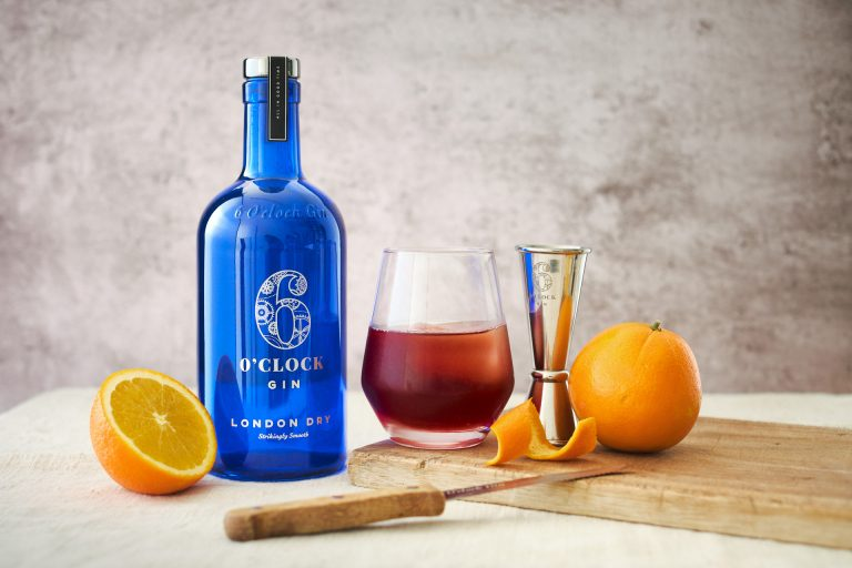 The 6 O'clock Gin Negroni - learn to make this classic cocktail
